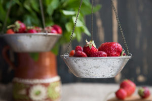 Food is neutral - image of strawberries on a balance scale